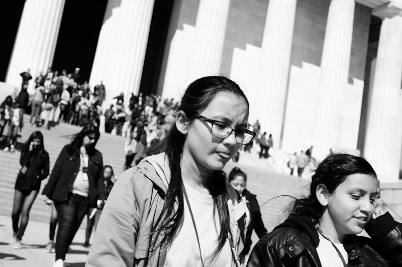 washington dc tourists at the Lincoln Memorial. National Park Service. Sunny Day