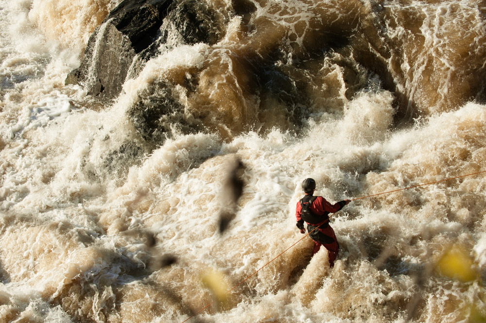 Steve Fisher getting into position below the rapids of Great Falls. Finlandia commercia.